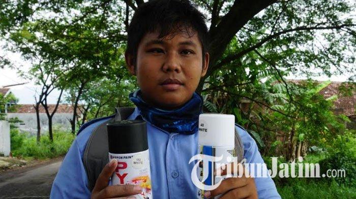 Sisihkan Uang Jajan, Pelajar SMK di Pasuruan ini Tandai Ribuan Jalan Berlubang